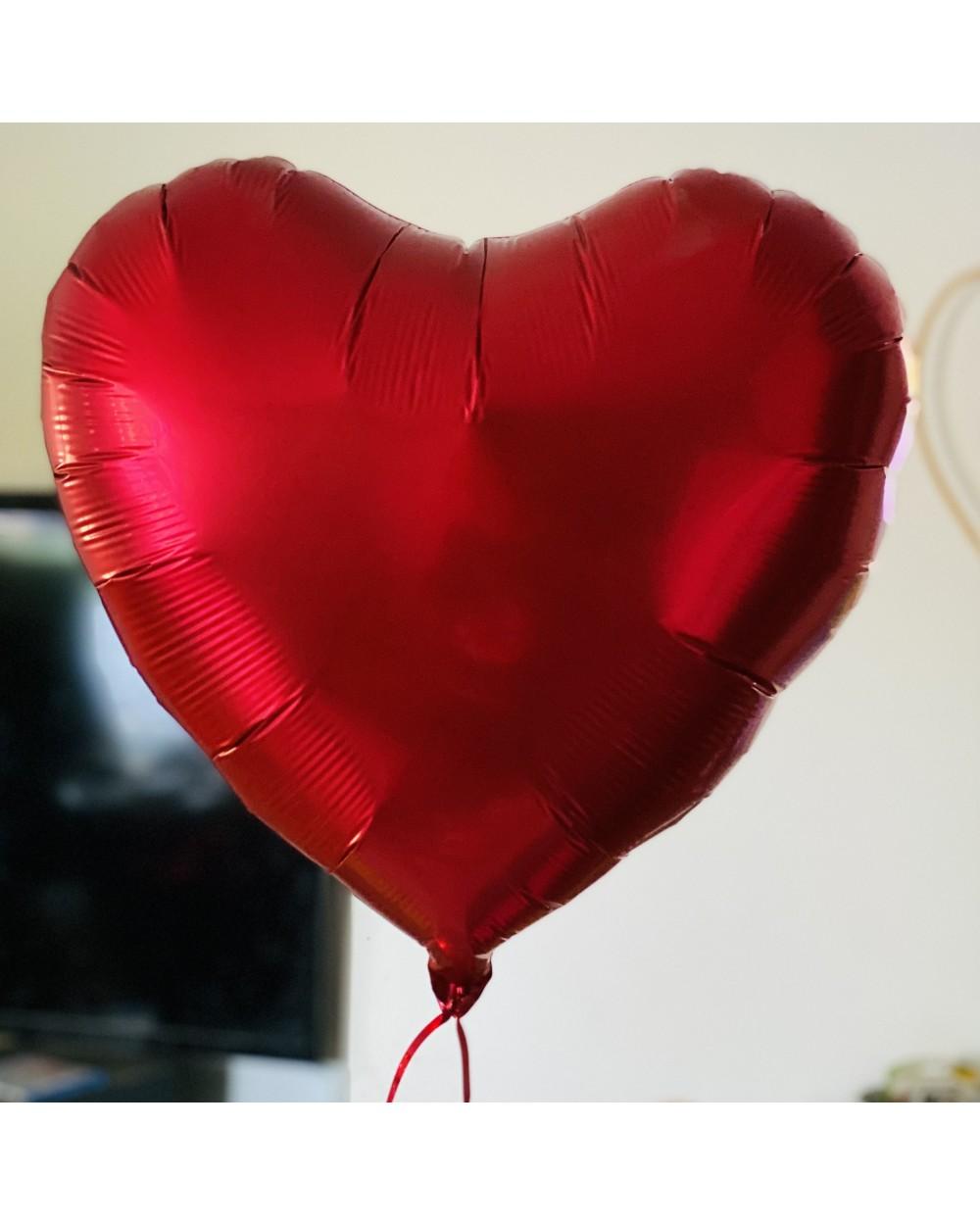 Offrez un ballon cadeau coeur rouge
