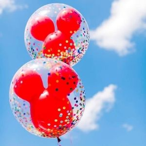 ballon transparent gonflé à l'hélium